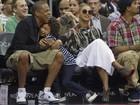 E o sol? Beyoncé assiste a jogo de basquete de óculos escuros
