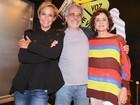 Andréa Beltrão e Marieta Severo prestigiam estreia de peça