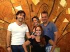 Susana Vieira janta com Sandro Pedroso e filho e nora no Rio