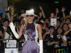 Lady Gaga usa 'vestido peruca' e causa frisson em Hong Kong