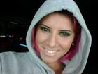Panicat Thais Bianca posa de cabelo rosa