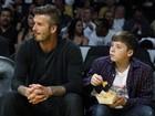 David Beckham e Jack Nicholson levam os filhos a jogo de basquete