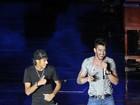 Balada boa: Neymar sobe ao palco e faz dancinha com Gusttavo Lima