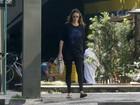 Sem Dom, Luana Piovani passeia pelas ruas da Zona Sul do Rio