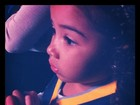 Samara Felippo posta foto da filha torcendo pelo pai: 'Não pisca'