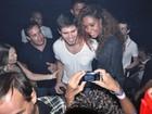 Ex-BBB Jonas vai a boate gay em Salvador