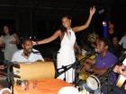 Juliana Alves comemora aniversário com amigos famosos