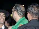 Belo exibe calvície em show no Rio