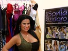Solange Gomes escolhe look curtinho para seu aniversário