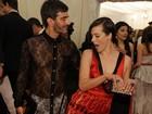 Marc Jacobs provoca com vestido transparente que deixa cueca à mostra