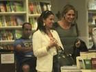 Giovanna Antonelli passeia em shopping com amiga