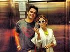 Flávia Alessandra posta foto com Otaviano Costa em elevador