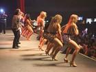 Dançarinas da 'Aviões do Forró' embalam coreografia para 8 mil