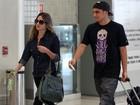 Bruno Gissoni embarca em aeroporto no Rio