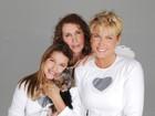 'Foi tudo perfeito', diz Xuxa sobre cirurgia da mãe, Dona Alda
