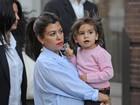 Kourtney Kardashian e o filho, Mason (Foto: Agência/Getty Images)