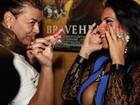 Solange Gomes ganha presente erótico: 'Podia ser maior, né?'