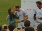 Kate Middleton entrega troféu de polo aos príncipes William e Harry