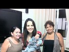 Perlla posta foto com a filha e as avós da bebê no Twitter