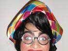 Geisy Arruda aparece irreconhecível: com dentes pretos e óculos