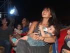 Daniele Suzuki leva o filho a circo no Rio