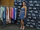 Isis Valverde faz prova de roupa para desfile no Fashion Rio