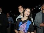 Kaká curte show agarradinho com a mulher em São Paulo