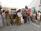 Negros protestam minutos antes da estreia do Fashion Rio