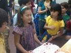 Maisa ganha festa de aniversário nos bastidores de 'Carrossel'