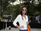 Mariana Rios aposta no salto agulha para assistir desfiles