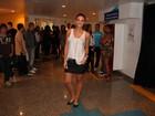 Débora Nascimento e mais famosos vão a show do Sorriso Maroto