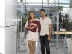 Grazi Massafera e Cauã Reymond deixam a maternidade com a pequena Sofia