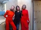 Isabeli Fontana ensina modelo russa a dançar 'Ai, se eu te pego'