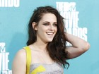 Kristen Stewart tem frequentado academia para esquecer escndalo