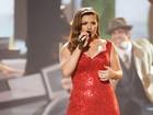 Kelly Clarkson aparece 15 quilos mais magra em evento em Nova York