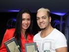 Belo e Gracyanne prestigiam lançamento de livro no Rio