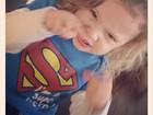 Adriane Galisteu posta foto do filho vestido de Super-Homem