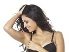 Emanuelle Araújo mostra corpaço em fotos de lingerie