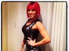 Após retocar o cabelo, panicat Thaís Bianca mostra look da noite no Twitter