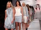 Candice Swanepoel desfila na São Paulo Fashion Week