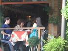 Jayme Mattarazzo e Isabelle Drummond almoçam juntos