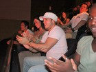 Belo e Gracyanne prestigiam festival de humor no Rio
