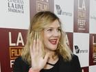 Recém-casada, Drew Barrymore prestigia pré-estreia de filme