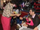 Otaviano Costa leva a filha ao circo