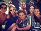 Marina Ruy Barbosa posta foto de gravação de novela na praia