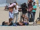 Marina Ruy Barbosa grava novela em praia do Rio