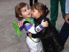 Rafa Justus rouba a cena em festa e beija filho de Otávio Mesquita