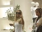 Valesca Popozuda faz compras em shopping no Rio
