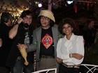 Felipe Dylon e Aparecida Petrowky 'renovam' os votos em evento junino