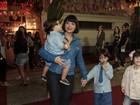 Após 'Gabriela', Vanessa Giácomo vai com os filhos em festa junina